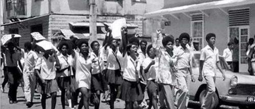 basil-davis-1970-students